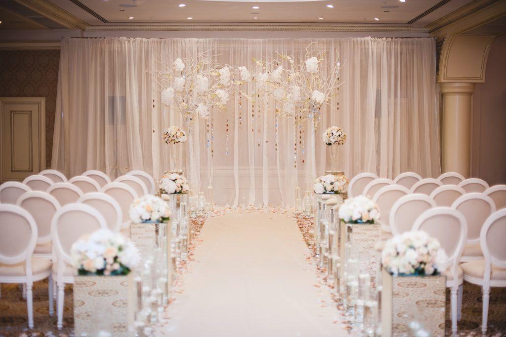 Une salle de cérémonie de mariage vide