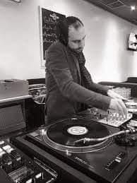 DJ Replay aux platines